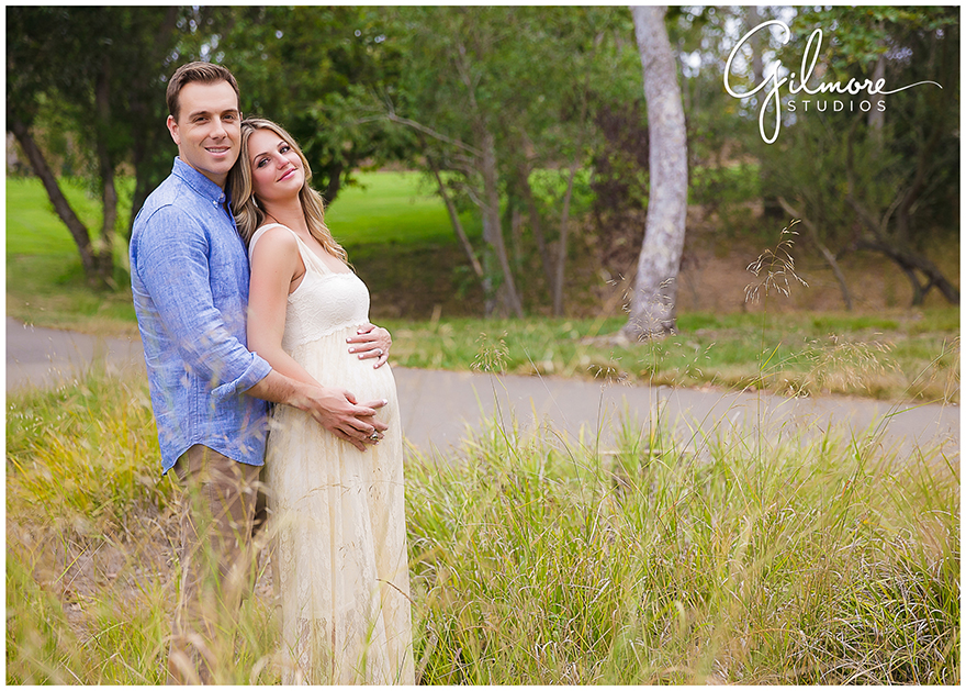 Rustic Vintage Bohemian Maternity Photo Session At The
