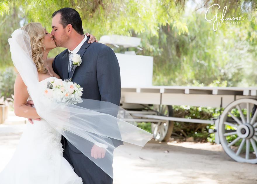 Katie And Peter S Wedding At Tivoli Too Laguna Beach Photographer