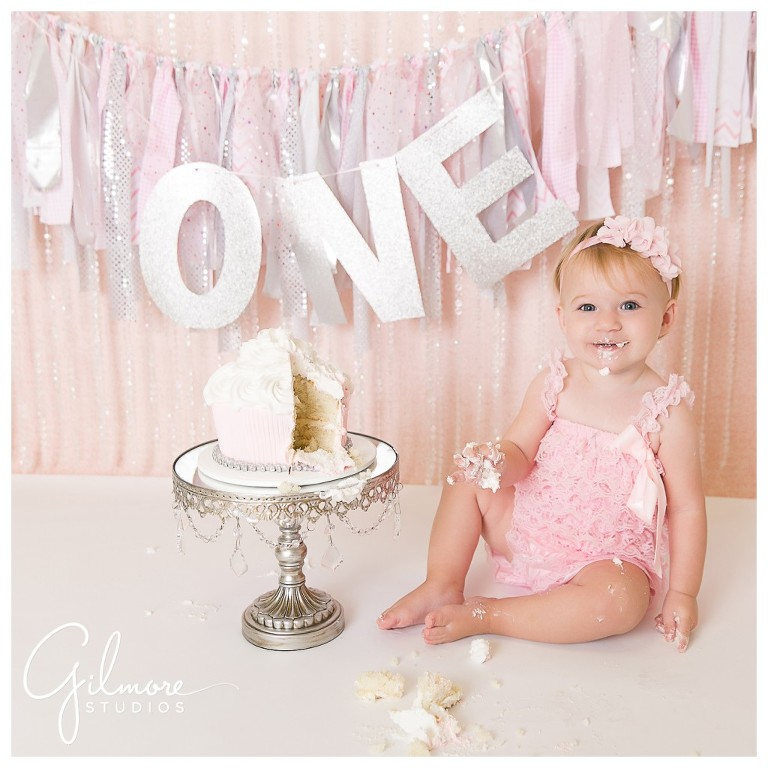 07 orange county baby photographer gilmore studios 1st birthday cake smash session one year old pink