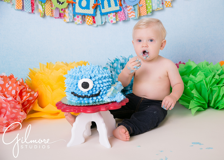 Newport beach gilmore cake smash first birthday fun